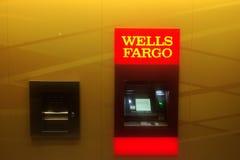 Wells Fargo Bank ATM maszyna Fotografia Royalty Free