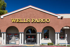 Wells Fargo Bank Exterior Stockfotos