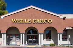 Wells Fargo Bank Exterior Stockfotos