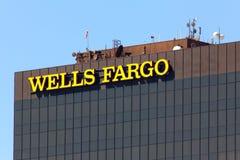 Wells Fargo Bank Góruje Zdjęcie Stock