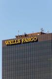 Wells Fargo Bank Góruje Fotografia Stock