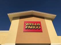Wells Fargo Bank powierzchowność zdjęcia stock