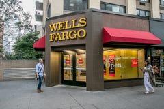 Wells Fargo signent la branche Photo stock