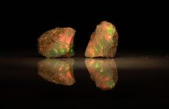 Естественный опал Welo игр--цвета огня Стоковое Фото