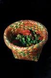 Welriekend mengsel van gedroogde bloemen en kruiden in Thais-Stijlmand Royalty-vrije Stock Afbeeldingen