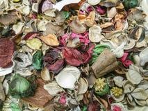 Welriekend mengsel van gedroogde bloemen en kruidenachtergrond stock afbeelding