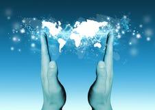 Welt in Ihren Händen Stockfotos