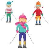 Vektor-Illustration von den Kindern, die auf lokalisiertem BAC Ski fahren lizenzfreie abbildung