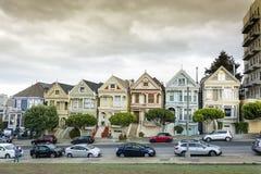 Weltberühmte Reihe von viktorianischen Häusern lizenzfreies stockfoto