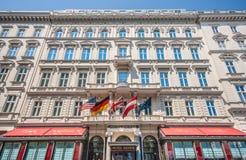 Weltberühmtes Hotel Sacher in Wien, Österreich stockfotografie