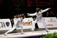 Weltcup-Folien-Frauen-Älterer 2009, fechtend Stockfotos