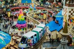 Welteinschienenbahn in Lotte World Adventure-Freizeitpark lizenzfreie stockfotos