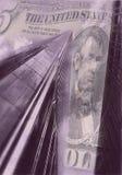 Welthandels-Mitte mit Fünfdollarschein lizenzfreie stockfotografie