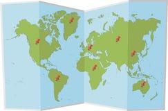 Weltkarte mit Stiften Lizenzfreie Stockfotos