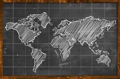 Weltkartekreidezeichnungstafel lizenzfreie abbildung