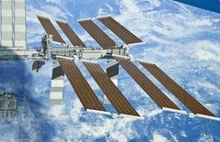 Weltraumstation-Bildschirmanzeige--Sonnenkollektoren stockfoto
