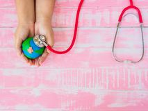 Welttag der erde am 22. April und Weltgesundheitstag, am 7. April Konzept Stockfoto