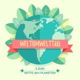 Weltumwelttagkonzept mit Mutter Erden-Kugel und -GRÜN verlässt auf beige Hintergrund Mit einer Aufschrift Stockfotografie