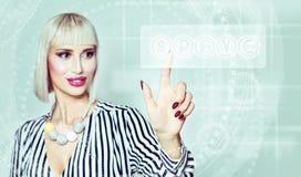 Weltwährungen Geschäftsfrau und Währungs-Ikone Stockfoto