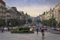 Wenceslas Square in de avond, Praag Stock Fotografie