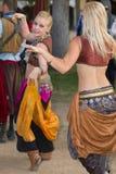 Wench för dans för Arizona renässansfestival Royaltyfria Bilder