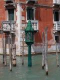 Wenecja Cumowniczy słup Zdjęcia Royalty Free