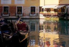 Wenecja kanał z łodzią Zdjęcia Royalty Free