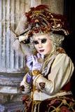 Wenecja karnawał 2017 czarny karnawałowy czerwony venetian kostiumowe maska venetian karnawału włochy Wenecji Zdjęcia Stock