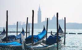 Wenecja panorama z ładnymi gondolami Panoramiczny pejzażu miejskiego wizerunek Wenecja, Włochy i nabrzeże, Świątobliwy Mark kwadr fotografia royalty free