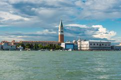 Wenecja punkt zwrotny, widok od morza, dzwonnica, Ducale i doża pałac, piazza San Marco lub st Mark kwadrat obraz royalty free