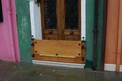 Wenecja spojrzenia jak prosty drzwi Obrazy Royalty Free