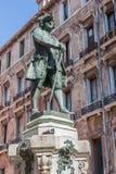 Wenecja - statua Włoski dramatopisarz Carlo Goldoni sculpted Antonio Dal Zotto i librettist obrazy stock