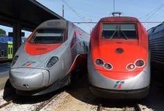 Wenecja Włochy, Czerwiec, - 08, 2017: Trenitalia prędkości wysocy pociągi przy t Zdjęcie Stock