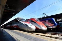 Wenecja Włochy, Czerwiec, - 08, 2017: Trenitalia prędkości wysocy pociągi przy t Obrazy Stock