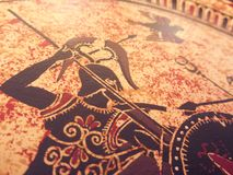 WENECJA WŁOCHY, LIPIEC, - 02, 2017: Szczegół od starej dziejowej greckiej farby nad naczyniem Mityczni bohaterzy i bóg walczy na  Zdjęcia Royalty Free