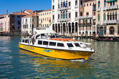 Wenecja Włochy, Marzec, - 28, 2015: Widok kanał grande w Veni Obraz Royalty Free
