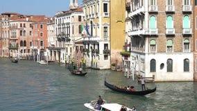 WENECJA WŁOCHY, PAŹDZIERNIK, -, 2017: Majestatyczny kanał grande w Wenecja i wodny ruch drogowy, Wenecja, Włochy Wenecja jest mia zbiory wideo
