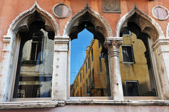 Wenecja Włochy pejzaż miejski - Venictian okno Obraz Royalty Free
