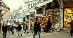 WENECJA WŁOCHY, Styczeń, - 2014: ludzie i sklepy zbiory
