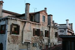 Wenecja, widok na tradycyjnych domach i dachach obraz royalty free