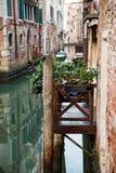 Wenecki balkon na kanale Fotografia Royalty Free