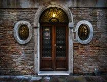 Wenecki drzwi Veneto Włochy fotografia stock