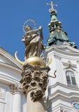 Wenen - Detail van Maagdelijke Mary van barokke kolom door kerk Maria Treu. Stock Fotografie