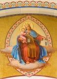 Wenen - Fresko van Madonna door Josef Kastner van jaren 1906 - 1911 in Carmelites-kerk in Dobling. Stock Afbeelding