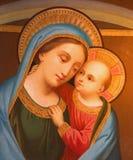 Wenen - Madonna van zijaltaar van barokke st. Peter kerk of Peterskirche Stock Fotografie