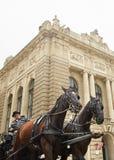 Wenen, Oostenrijk - 15 April 2018: Bemanning met paarden voor toeristen royalty-vrije stock afbeelding