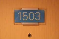 WENEN, OOSTENRIJK - 29 APRIL, 2017: het aantal van de hoteldeur, sluit omhoog beeld van nummer 1503, dat een Presidentiële Reeks  Stock Afbeeldingen
