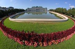Wenen, OOSTENRIJK - Augustus 28 Meer en Tuin van BELVEDERE Paleis o Stock Foto
