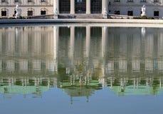 WENEN, OOSTENRIJK - Augustus 28 meer van BELVEDERE Paleis op 28 Augustus Royalty-vrije Stock Afbeeldingen