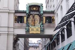 Wenen, Oostenrijk, Oktober 2016, de klok van Anker - beroemd toeristisch oriëntatiepunt Royalty-vrije Stock Foto's
